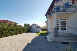 nr-150-villa-pirisi_03