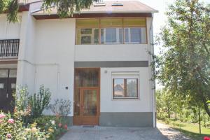 nr-17-ferienhaus-fogarasi_01
